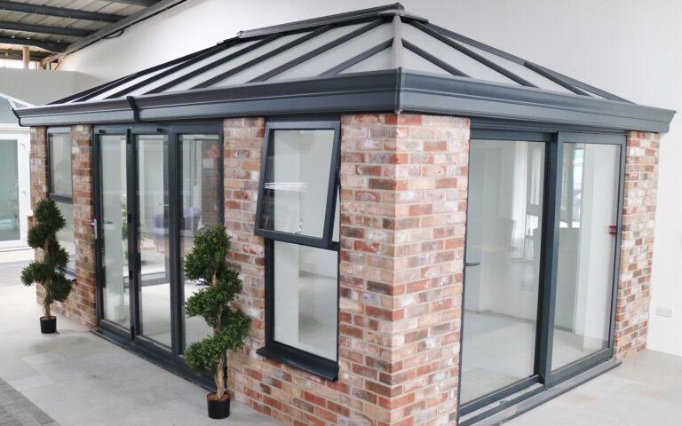 Polar Glaze Showroom Banner Livingroom Conservatory 2560x1600px